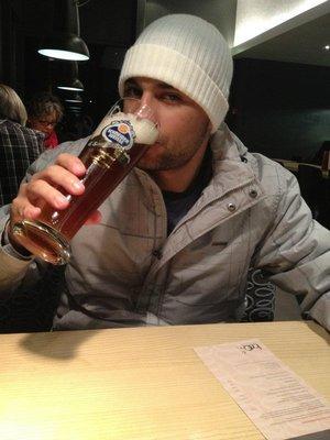 Zurique - Suíça - brasileiro que é brasileiro sempre bebe uma cerveja!