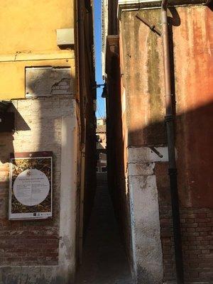 A narrow street, even for Venice