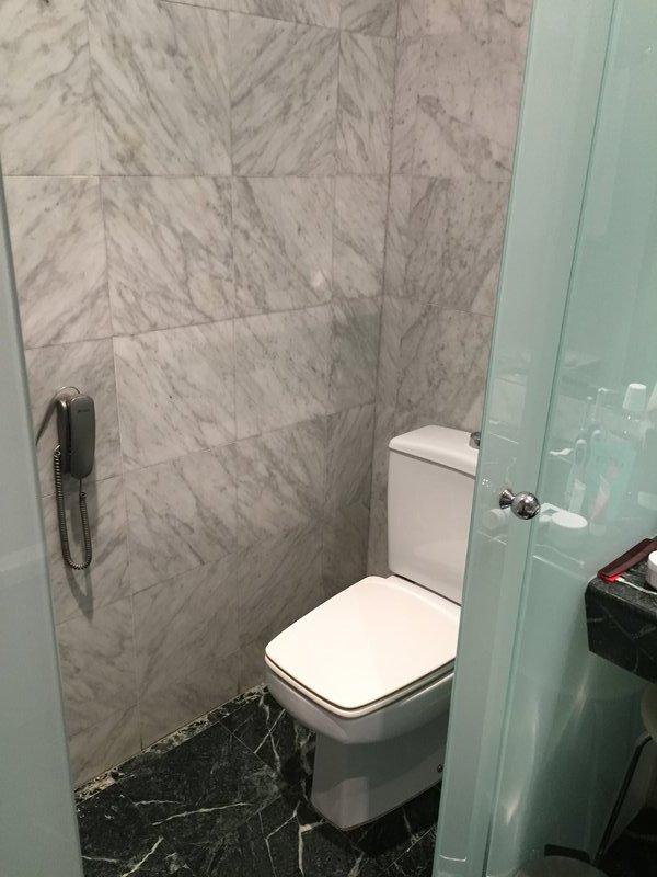 Bathroom 1 in the Gran Havana 1