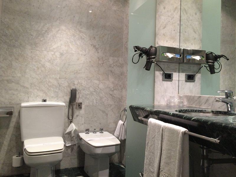 Bathroom 2 in the Gran Havana