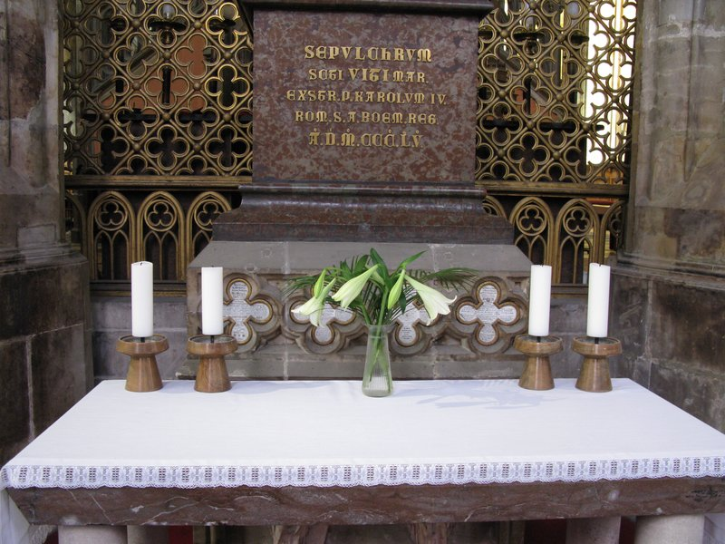 Simpler altar
