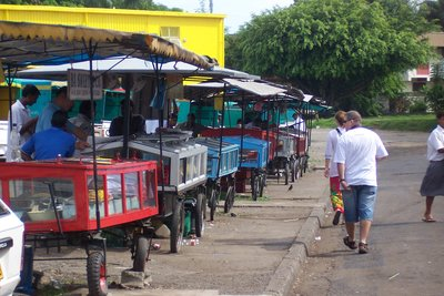 Food vendors at Nadi bus station