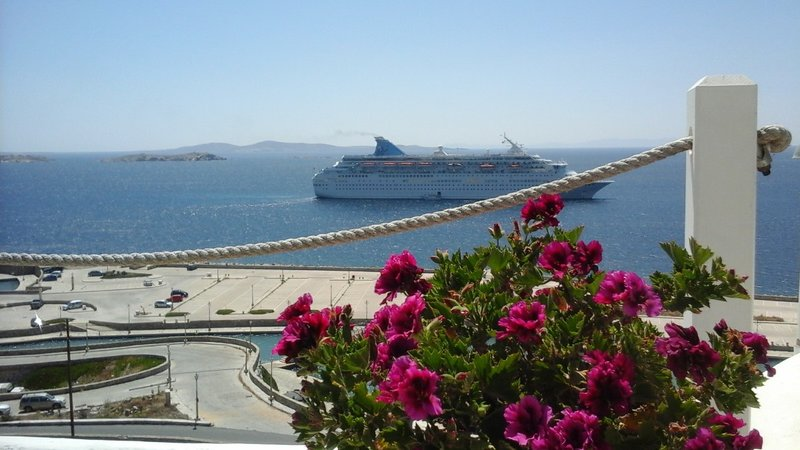 Thomson cruise ship in town