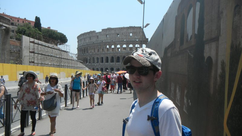 Walking to the Colosseum