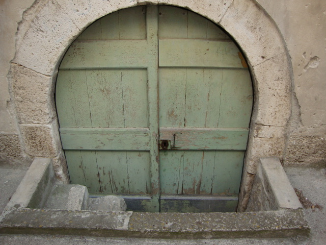 A door in Sibenik