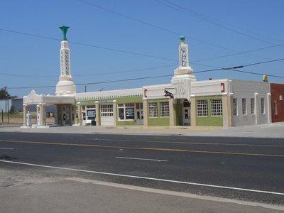 Shamrock Route 66 Filling Station and Diner
