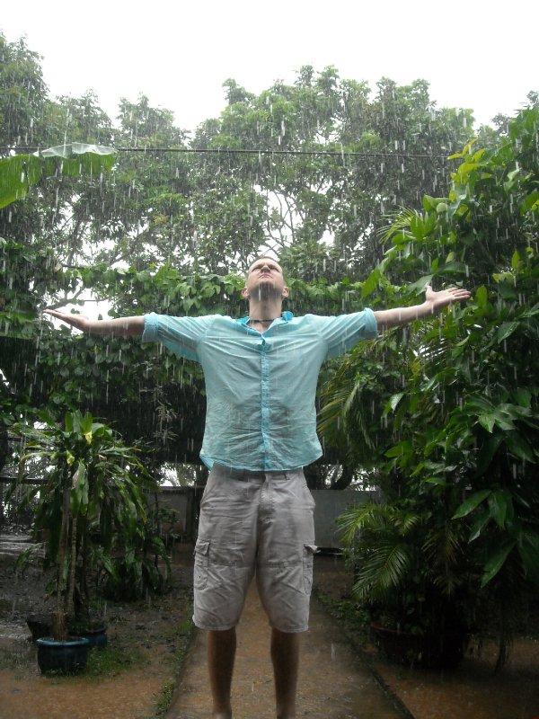 """Feel the rain"""