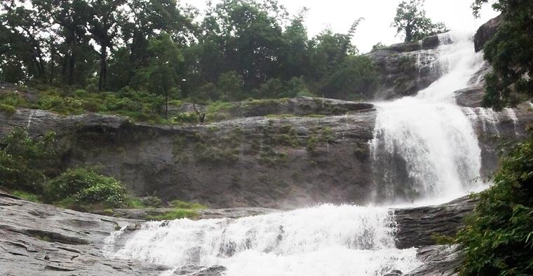 Cheeyappara-Waterfalls-Munnar-Kerala