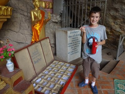 Fortune Telling at the top of Mount Phousi