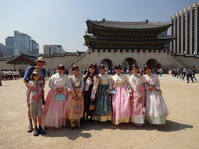 Girls 'wearing hanbok', Gyeongbokgung Palace