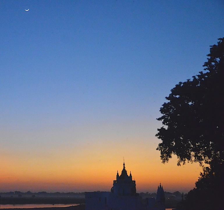 Sunset at the Ubein bridge