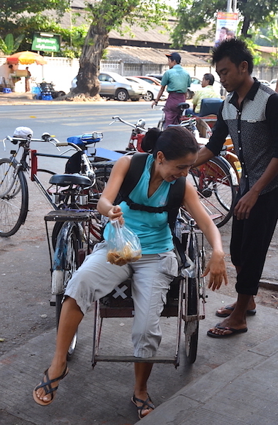 How to get off a bicycle rickshaw in style
