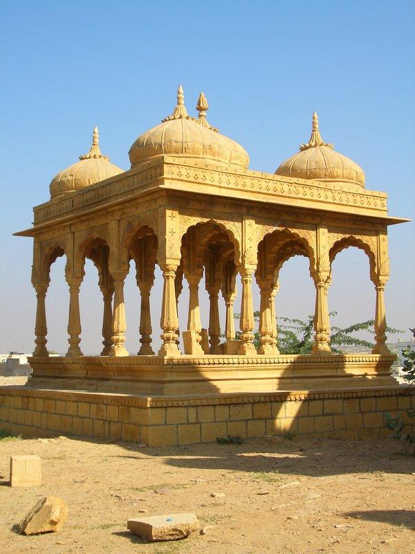 Jaisalmer Bara Bagh Gräber 01