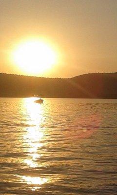 90_Sunset_on_Pichola_Lake.jpg