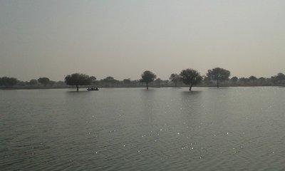 Gadisagar_Lake_2.jpg