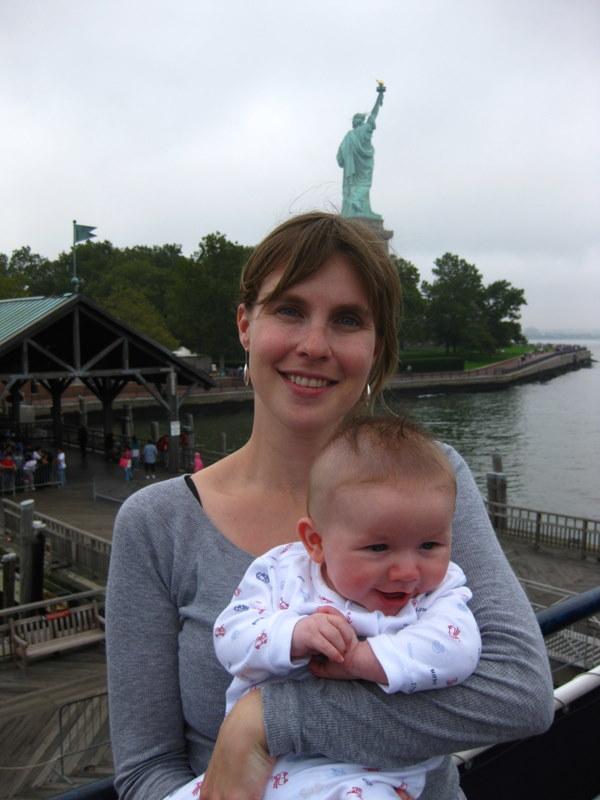 Nat & E at Statue