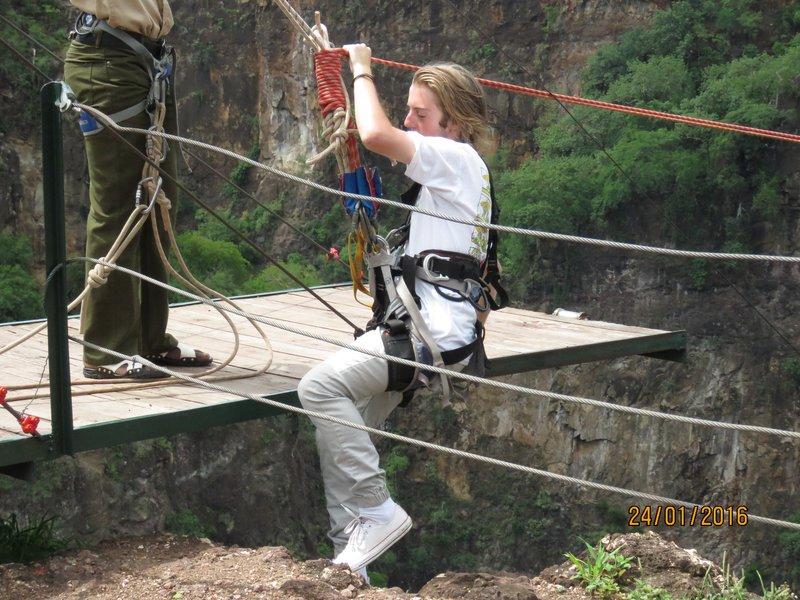Gorge swing
