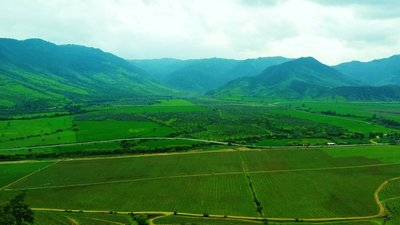 5-Colchagua_Valley.jpg