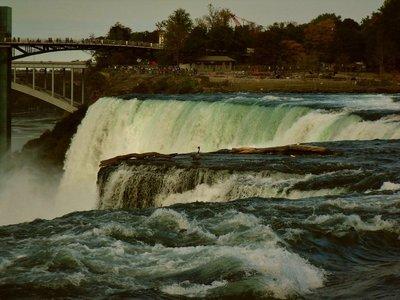 94-Niagara_Falls.jpg