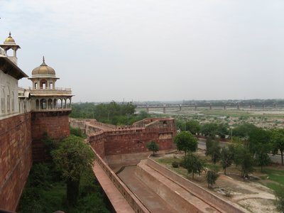 Agra fort, facing the Taj Mahal and the river Yamuna