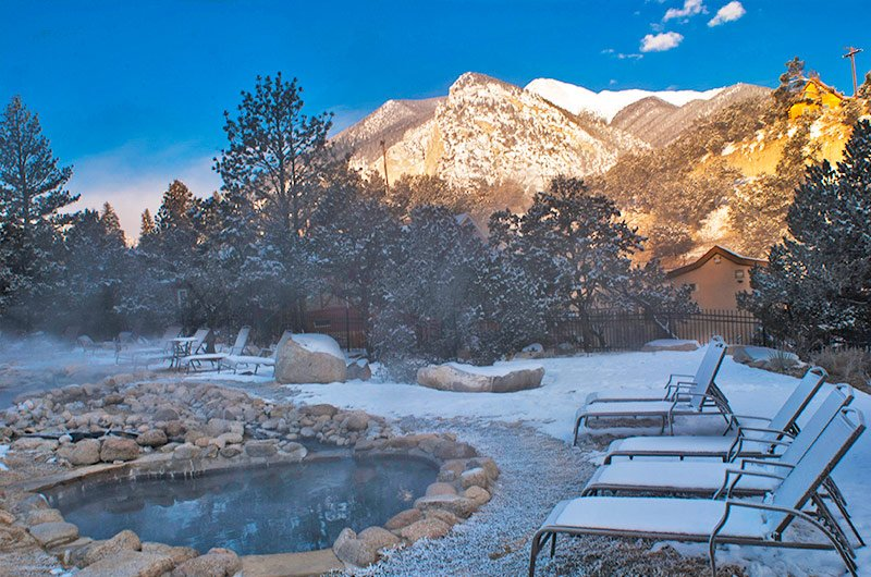 colorado-hot-springs-winter