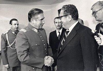 Reuni_n_Pi..-_Kissinger.jpg