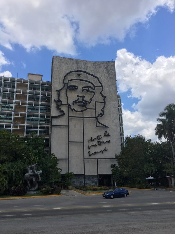 large_Che_Silhouette_-_Havana.jpg