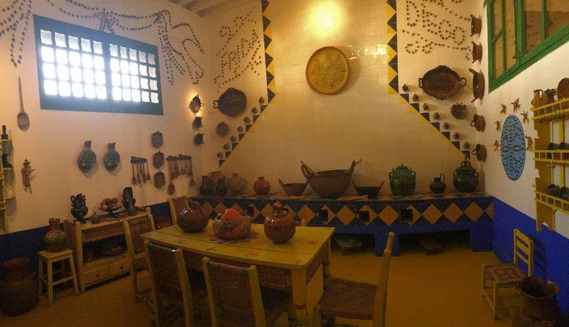 large_Frida_and_Diegos_kitchen.jpg