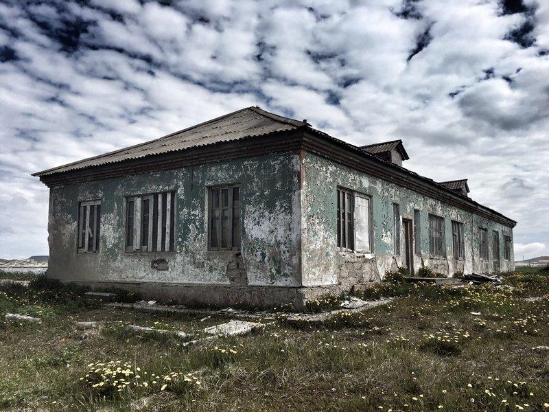 large_old_house_..ring_Island.jpg