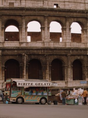 Food stall in front of the Colosseum