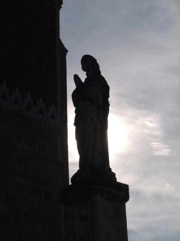 Toledo - Statue San Juan church