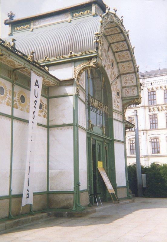 Vienna, Karlsplatz Metrostation