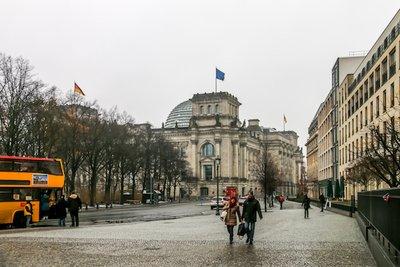 Brandenburg_Gate-10.jpg
