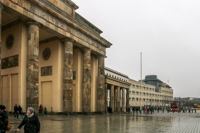 Brandenburg_Gate-12.jpg