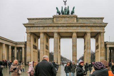 Brandenburg_Gate-7.jpg
