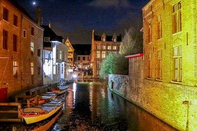 Brugge_at_Night-1.jpg