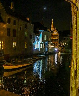 Brugge_at_Night-3.jpg