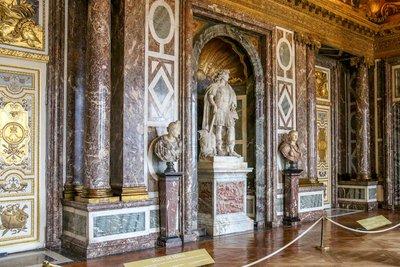 Inside_Ver..s_Palace-13.jpg