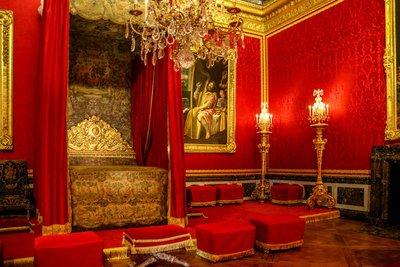 Inside_Ver..s_Palace-18.jpg