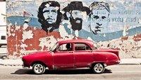 Cuba-car-revolutionarios.jpg