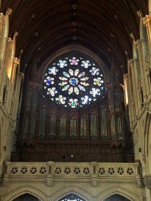 Cobh_cathedral_pipe.jpg