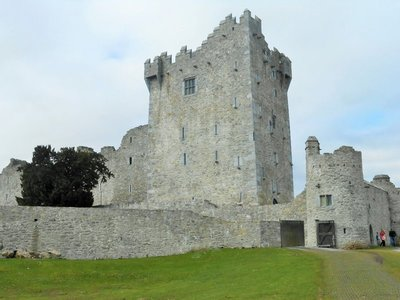 Killarney_Ross_Castle.jpg
