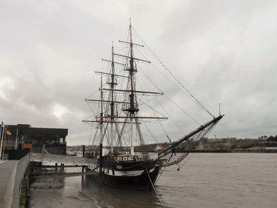 New_Ross_D..Famine_Ship.jpg
