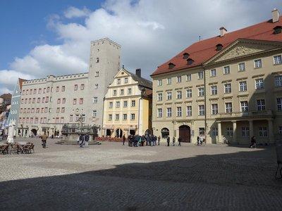 Haidplatz Regensburg mit dem Hotel zum Goldenen Kreuz