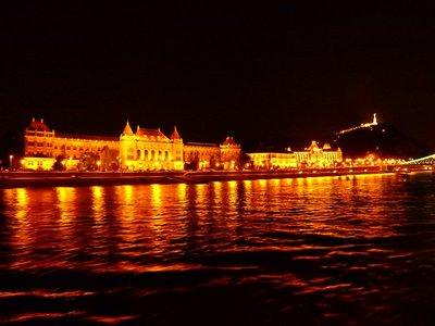 Technische Universität Budapest mit dem Gellertberg