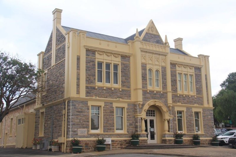 Angaston town hall and library
