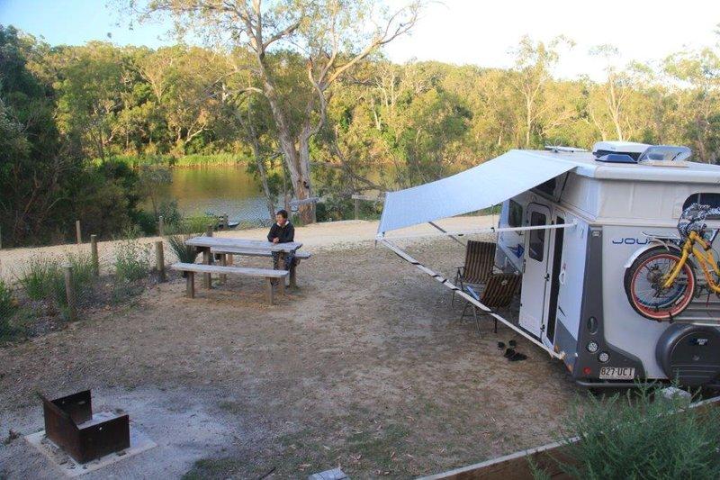 Camping at Lowerl Glenelg Nat Park