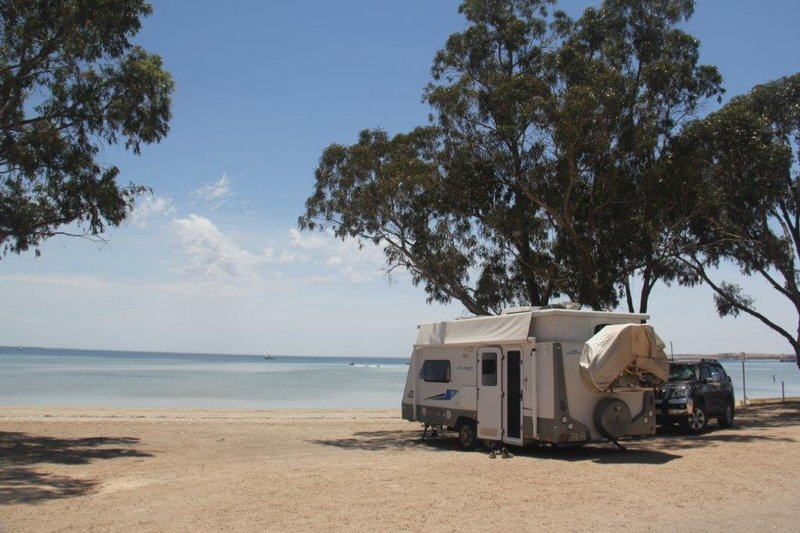 Camping right on the beach in Streaky Bay