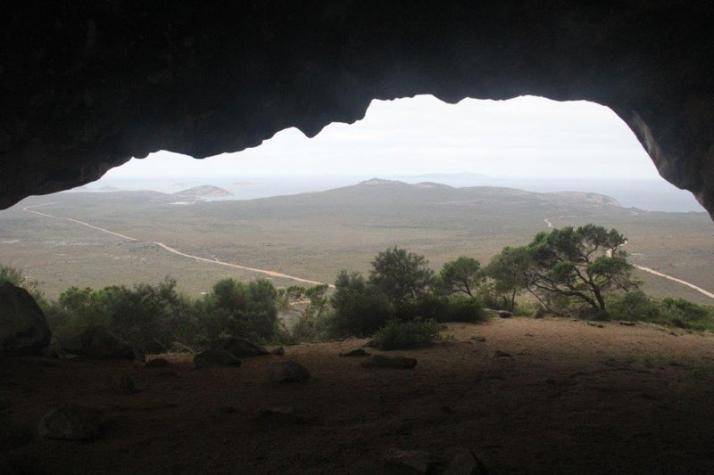 Frenchman Peak double open ended cave