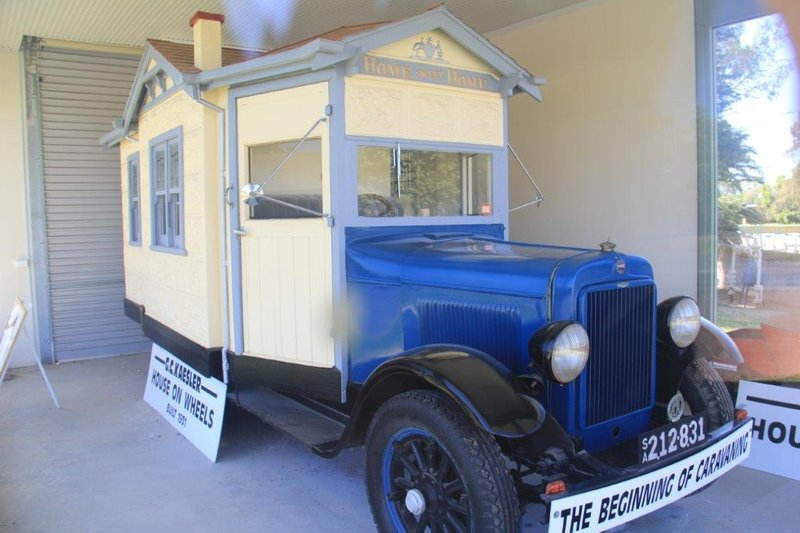 Silver anniversary built caravan from 1931 that did a 6500km trip